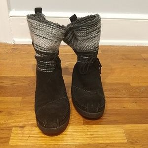 Toms Shoes - Tom's Black and Grey Suede Nepal Boots 7.5